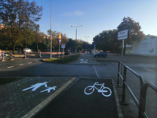 Niedokończona DDR przy ulicy Magnuszewskiej. Już niedługo infrastruktura rowerowa przy tej ulicy będzie kompletna.