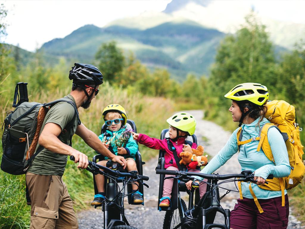 Jazda z dzieckiem na rowerze