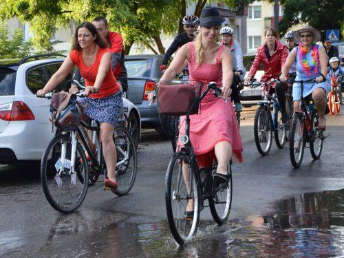 Dojazd do pracy na rowerze w sukience? Żaden problem!