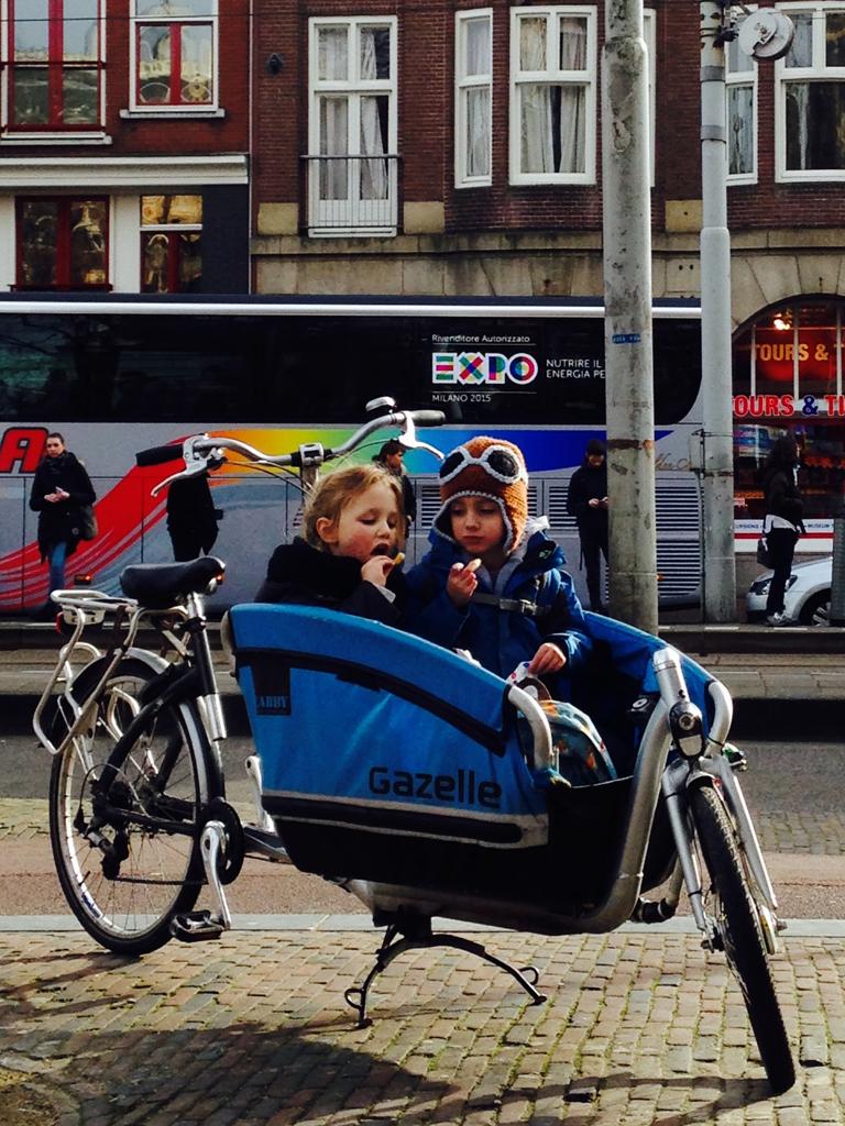 Rower cargo bez problemu pomieści dwójkę dzieci