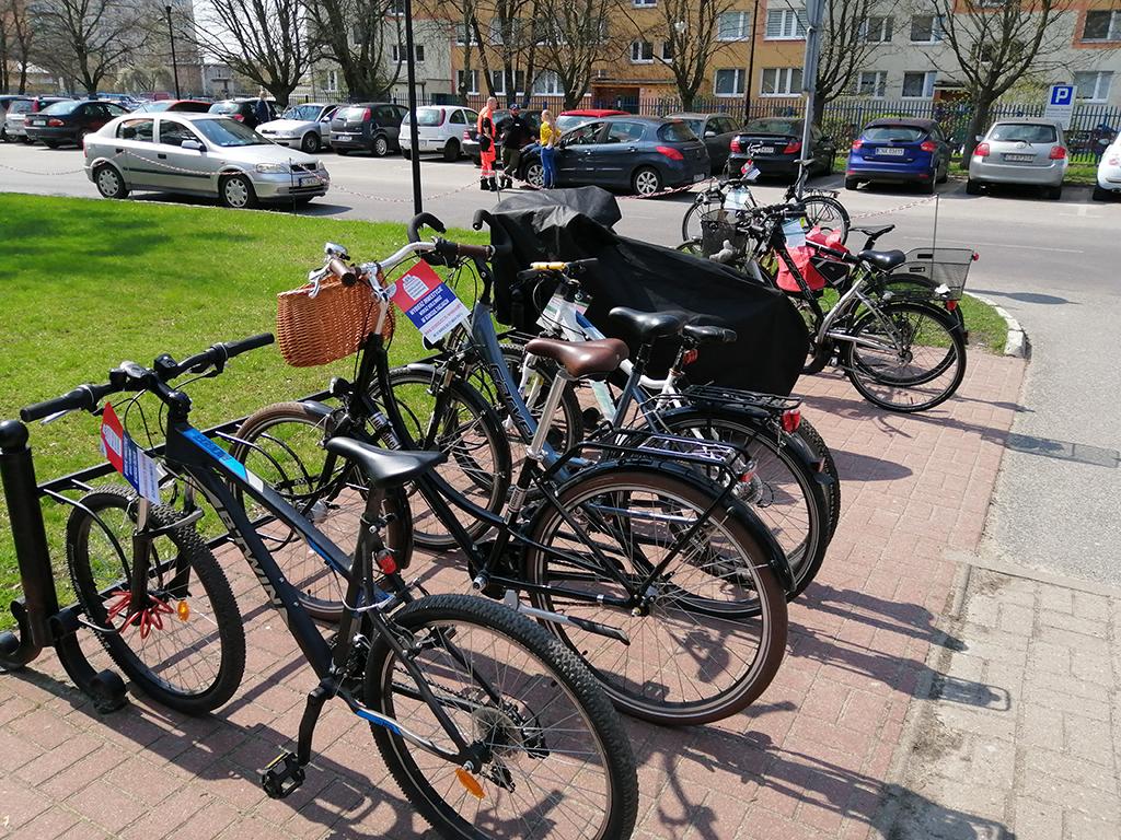 Parkingi rowerowe bydgoskich placówek medycznych - Szpital Biziela